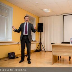 Prof. Żaryn: Politycy chcą fastrygować historię w zależności od bieżących potrzeb