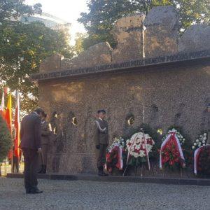 Profesor Jan Żaryn złożył kwiaty w imieniu Marszałka Senatu RP