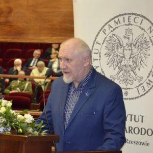 Dr Tochman (IPN): Konfidenci są wśród nas, dalej pracują, są odznaczani najwyższymi orderami