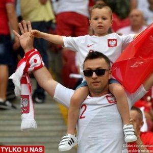 Prof. Żaryn: Kibice piłkarscy potrafią oddać dumę z bycia Polakami swoim dopingiem i szacunkiem do piłkarzy